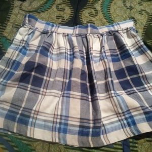 Dresses & Skirts - Blue plaid skirt😍